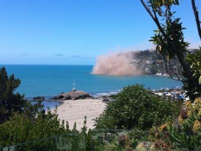 Schock kurz vor Weihnachten: Ein kräftiges Erdbeben hat Christchurch erschüttert. Foto: Christine Brooks