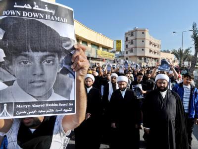 Trauermarsch für einen 15-Jährigen, der bei einer Demonstration von einer Tränengasgranate der Polizei tödlich getroffen wurde. Foto: Mazen Mahdi