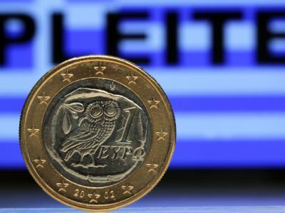 Griechenland kämpft noch immer, um eine Pleite abzuwenden: Jetzt müssen die Hellenen noch härtere Sparmaßnahmen in Kauf nehmen. Foto: Jens Büttner/ Symbol