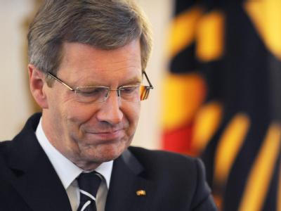 Bundespräsident Christian Wulff gerät nach seinem versuchten Befreiungsschlag in der Kredit- und Medienaffäre erneut in Erklärungsnot. Foto: Rainer Jensen