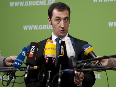 Grünen-Chef Cem Özdemir fordert nach dem Aus für Jamaika an der Saar Neuwahlen. Foto: Sebastian Kahnert