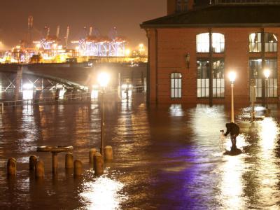 Überschwemmter Fischmarkt: Das Sturmtief