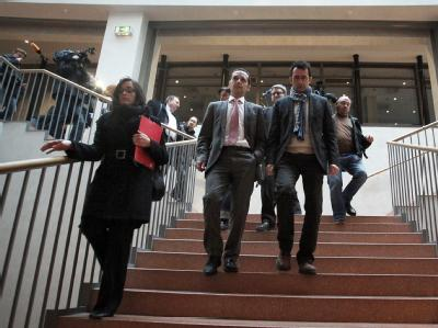 Mitglieder der Saar-SPD auf dem Weg zu einer Partei-Sitzung. Foto: Fredrik von Erichsen