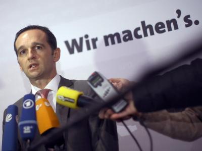 Saar-SPD-Chef Heiko Maas nach dem Beschluss seiner Partei, Verhandlungen mit der CDU aufzunehmen. Foto: Fredrik von Erichsen