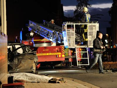 Das Wrack des völlig zertrümmerten Autos. Foto: Boris Roessler