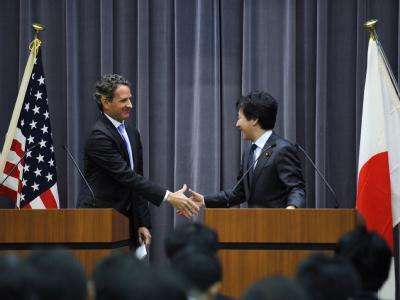 Timothy Geithner und Jun Azumi