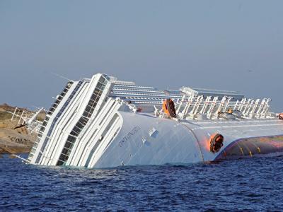 Immer noch wird nach vermissten Passagieren der «Costa Concordia» gesucht. Foto: Maurizio degl'Innocenti