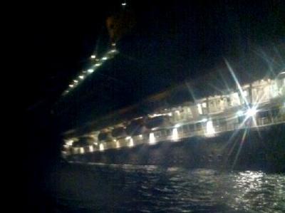 Nach Ansicht eines Experten ist die «Costa Concordia» zum Glück noch verhältnismäßig langsam gesunken. Foto: Peter Honvehlmann