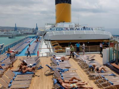 Die «Costa Concordia» in Civitavecchia nahe Rom 2007: Rund 4200 Menschen wurden vom Schiff evakuiert Foto: Ruth Mata/ANSA