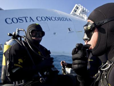 Taucher an der «Costa Concordia»