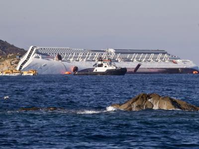 Die «Costa Concordia» hat sich wieder bewegt. Foto: Massimo Percossi
