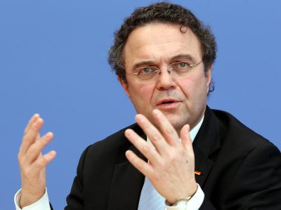 Mit seinen Äußerungen hat Bundesinnenminister Hans-Peter Friedrich die Bundesregierung vor neue Probleme gestellt. Foto: Wolfgang Kumm