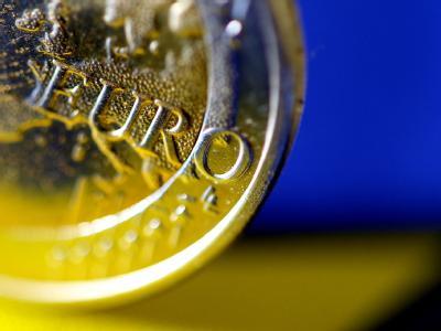 Der Euro in der Krise. Der EU-Gipfel soll den neuen Sparpakt billigen. Die Schuldenstaaten sollen profitieren: Sie hoffen auf Entgegenkommen. Foto: Karl-Josef Hildenbrand