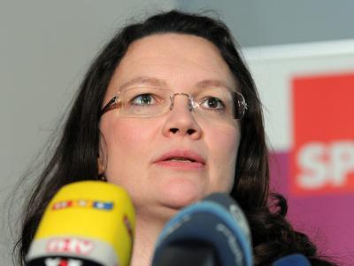 SPD-Generalsekretärin Andrea Nahles wirft der FDP im Fall Schlecker Profilierungssucht vor. Foto: Bernd Settnik/Archiv