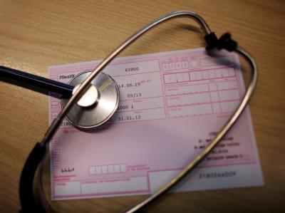 Viele Versicherte nutzen die gesetzliche Krankenversicherung, ohne dafür zu zahlen. Foto: Oliver Berg