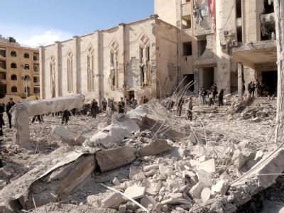 Bei zwei gewaltigen Bombenanschlägen vor Einrichtungen der Sicherheitskräfte in Aleppo sind zahlreiche Menschen ums Leben gekommen. Foto: Syrian Arab News Agency (SANA)