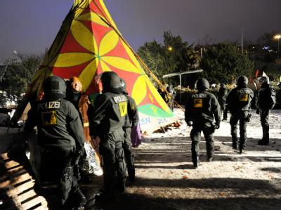 Nur noch wenige Projektgegner sind laut Polizei auf dem Gelände. Foto: Bernd Weißbrod