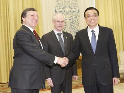 China will dem Euro die Treue halten. Die asiatische Wirtschaftsmacht gibt sich überzeugt, dass die Europäer die Krise meistern werden. Peking will dabei helfen. Foto: How Hwee Young