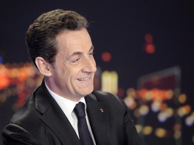 Präsident Nicolas Sarkozy kündigt seine Kandidatur an. Zwei Monate vor der Präsidentenwahl hat damit die heiße Wahlkampfphase in Frankreich begonnen. Foto: Linonel Bonaventure