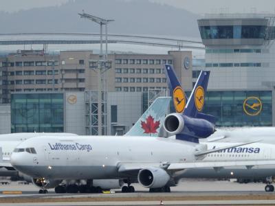 Der Frankfurter Flughafen gilt als Deutschlands größte Arbeitsstätte mit mehr als 70 000 Beschäftigten. Foto: Arne Dedert