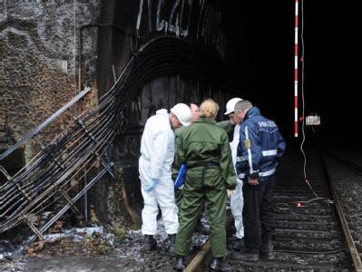 Der Kabelbrand in einem Stuttgarter Bahntunnel gibt der Polizei weiter Rätsel auf. Zehntausende Reisende kamen durch die Störung verspätet am Ziel an. Foto: Franziska Kraufmann