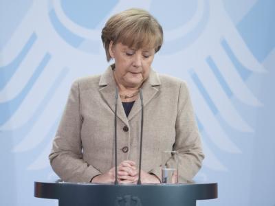 Bundeskanzlerin Merkel gibt am Freitag nach dem Rücktritt des Bundespräsidenten eine Stellungnahme ab. Foto: Sebastian Kahnert