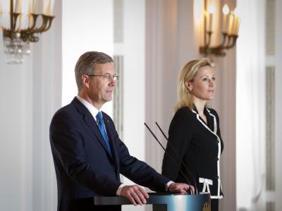 Jung, unkonventionell, tätowiert: Bettina Wulff (38) war die jüngste Frau eines deutschen Bundespräsidenten. Foto: Michael Kappeler