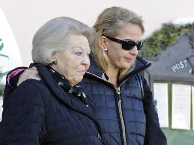 In großer Sorge: Königin Beatrix und die Frau von Prinz Johan Friso, Prinzessin Mabel. Foto: Robert Parigger