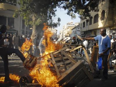 Rund eine Woche vor den Wahlen im Senegal kam es wieder Zusammenstößen zwischen Oppositionsanhängern und Sicherheitskräften. Foto: epa/str