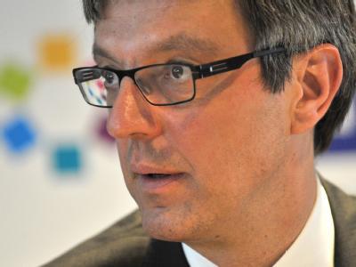 Arndt Geiwitz, der Insolvenzverwalter der insolventen Drogeriekette Schlecker, bei einer Pressekonferenz in Frankfurt am Main. Foto: Emily Wabitsch