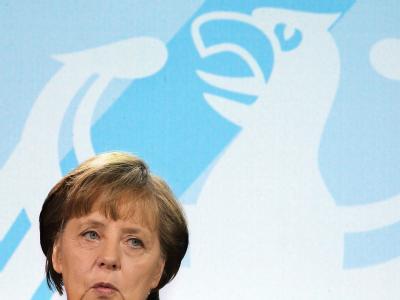 Bundeskanzlerin Angela Merkel hat sich lange gegen eine Aufstockung des geplanten dauerhaften Euro-Rettungsschirms ESM. Foto: Wolfgang Kumm