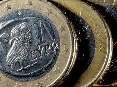 Griechische Euromünzen: Seit Monaten beherrscht die desaströse Finanzlage Athens die Schlagzeilen. Foto: Federico Gambarini
