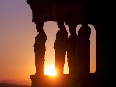 Antike Statuen auf der Akropolis in Athen. Foto: Orestis Panagiotou