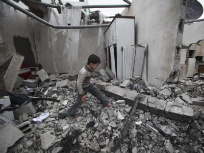 Zerstörungen in Gaza: Eine Äußerung der EU-Außenbeauftragten Ashton, die israelische Angriffe auf den Gazastreifen in einen Zusammenhang mit dem Anschlag auf eine jüdische Schule in Frankreich stellte, hat in Israel Unmut ausgelöst. Foto: Ali Ali
