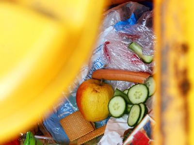 Verbraucherministerin Aigner: «Lebensmittel sind kostbar - wir können es uns nicht leisten, dass jährlich viele Millionen Tonnen auf dem Müll landen». Foto: Frank May
