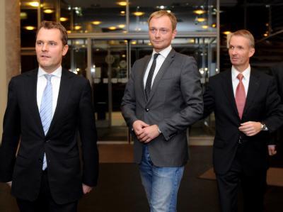Der frühere FDP-Generalsekretär Christian Lindner (M) soll als nordrhein-westfälischer Spitzenkandidat antreten. Foto: Caroline Seidel