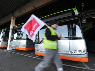 Streikender bei den Stadtbussen in Hannover. Foto: Peter Steffen