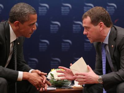 Im Gespräch: US-Präsident Barack Obama und sein russischer Noch-Amtskollege Dimitri Medwedew. Foto: Ekaterina Shtukina/Archiv