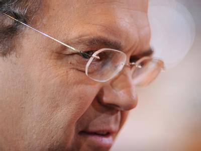 Bundesinnenminister Hans-Peter Friedrich will einen grundlegenden Umbau des Verfassungsschutzes. Foto: Hannibal/Archiv