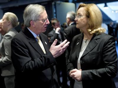 Luxemburgs Premierminister Jean-Claude Juncker und die österreichische Finanzministerin Maria Fekter. Foto: Torkil Adsersen/Archiv