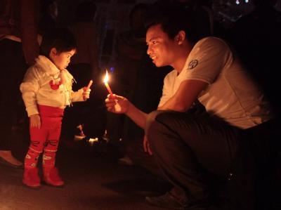 Kerzen in Vietnams Hauptstadt Hanoi. Foto: Luong Thai Linh