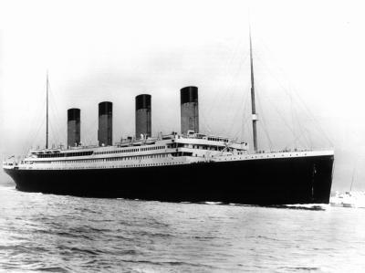 Die Titanic galt als