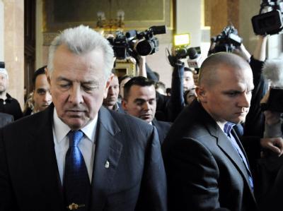 Abgang: Der ungarische Präsident Pal Schmitt nach der Ankündigung seines Rücktritts. Foto: Laszlo Beliczay
