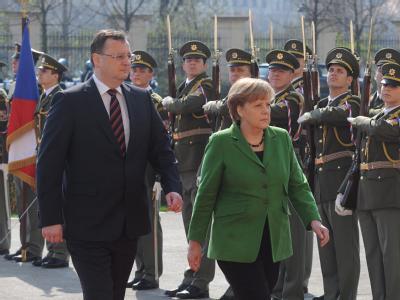 Necas und Merkel
