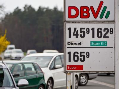 Freie Tankstelle des DBV (Deutscher Brennstoffvertrieb): Von den fast 15 000 Tankstellen in Deutschland sind 1800 sogenannte freie Tankstellen. Foto: Daniel Karmann/Archiv
