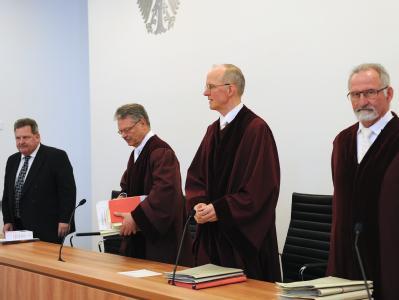 Der 10. Senat des Bundessozialgerichts in Kassel hat entschieden, dass steuerfreie Zuschläge aus Sonntagsarbeit oder Nachtschichten nicht in die Berechnung des Elterngelds einfließen. Foto: Uwe Zucchi