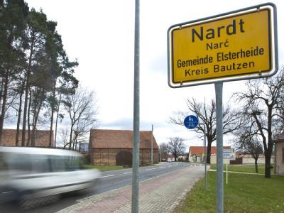 Grausamer Fund in Nardt, einem Ortsteil des nordsächsischen Elsterheide: Spaziergänger finden eine Babyleiche. Der Fall gibt der Polizei noch viele Rätsel auf. Foto: Oliver Killig