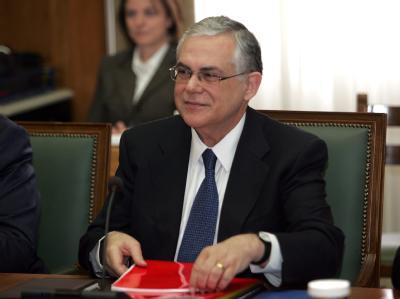 Der griechische Regierungschef Lucas Papademos. Die Griechen sollen entscheiden, wer sie aus der schlimmsten Krise ihrer jüngsten Geschichte führen soll. Foto: Alexandros Beltes