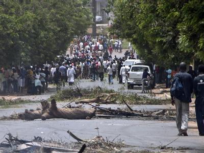 Nach Informationen des Senders RDP wurde mindestens ein Mensch getötet. Foto: Moussa Balde