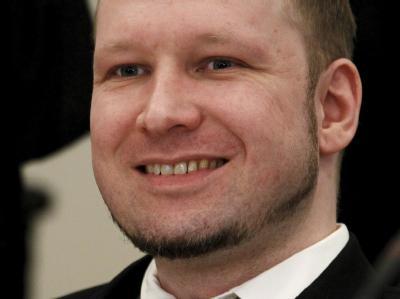 Der norwegische Massenmörder Anders Behring Breivik nutzt seinen Prozess als große Bühne. Er inszeniert seinen Auftritt mit eisiger Gleichgültigkeit - und schockiert gleichermaßen. Foto: Heiko Junge